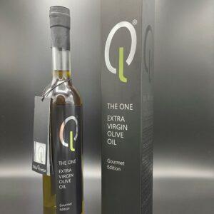 The One Olivenöl stehend mit Verpackung cropped